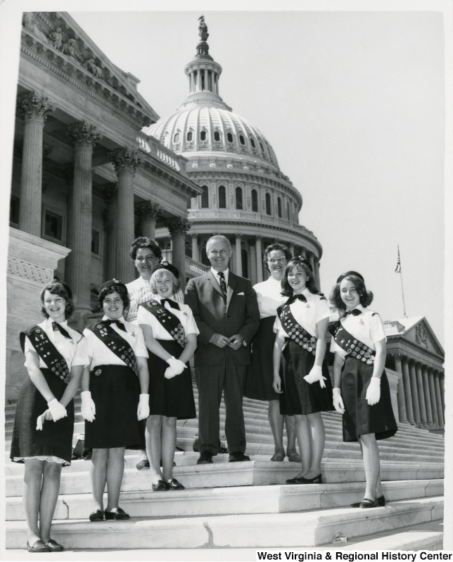 Congressan Arch A. Moore, Jr. standing on the steps of the Capitol with the Farmington Girl Scout Troop 42.