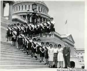Congressman Arch A. Moore, Jr. on the steps of the Capitol Building with Girl Scout Troop 3.