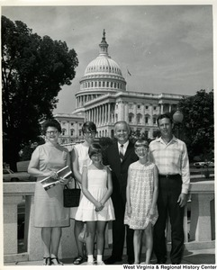 Congressman Arch A. Moore, Jr. with the Hardesty family, Joseph M., Barbara, Janis, Anne and Linda.  They are relatives of David Hardesty.