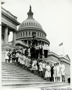 Congressman Arch A. Moore, Jr. on the steps of the Capitol with the Lewis County 4-H Club.